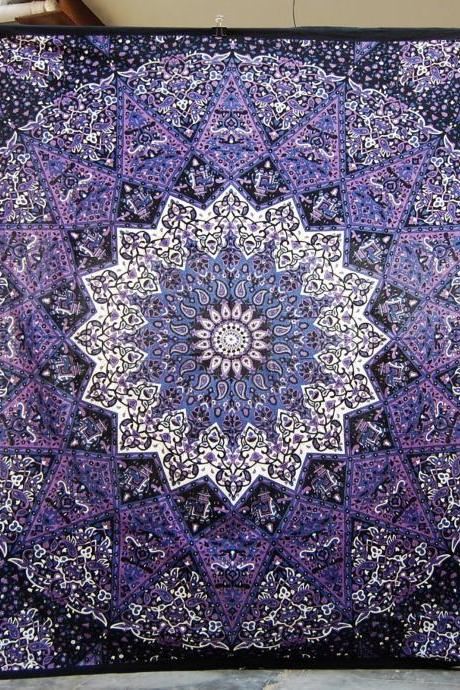 PURPLE STAR queen tapestry, queen size Psychedelic Mandala, Wall Hanging, Tapestry, Picnic sheet, Beach Blanket, Bedsheet, Flat bedsperad, room divider, home decor, yoga mat, cheap tapestry